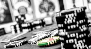 svartvita pokerchisp spel casino